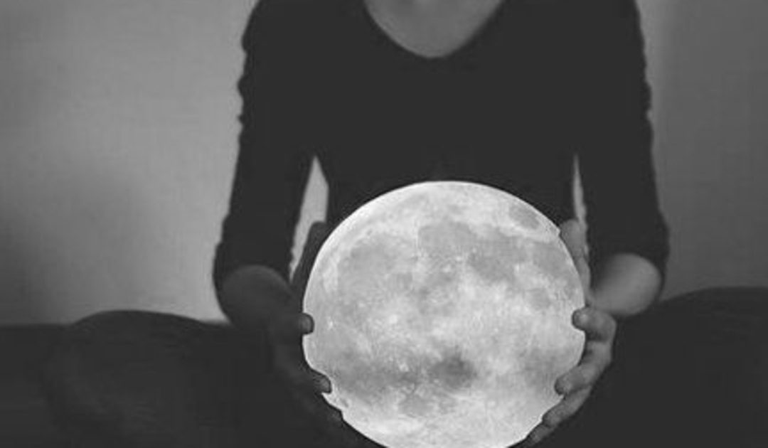 Cancer Full Moon: Weather the Storm